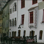 The Inns and taverns outside a city gate